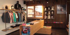 Sportbekleidung und traditionelle Trachten in der Alpbach Sports-Boutique