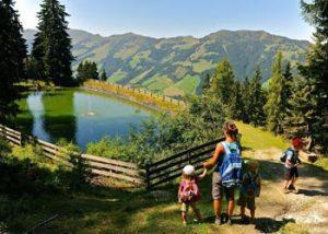 Wanderung durch das idyllische Bergpanorama